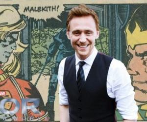 comic, loki, and tom hiddleston image