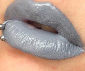 gloss, gris, and labios image