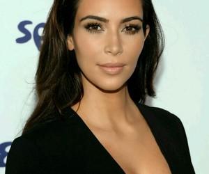 makeup, kim kardashian, and kardashian image