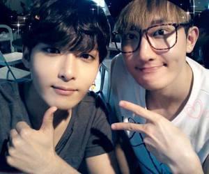 super junior, ryeowook, and Zhou Mi image