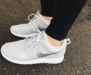 fashion, silver, and rosherun image