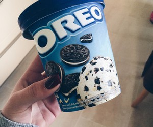 food and oreo image