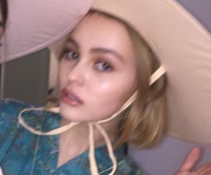 grunge, pale, and lily rose depp image