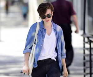 candid, street style, and celebrity style image
