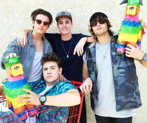 wesley stromberg, sam wilkinson, and kenny holland image