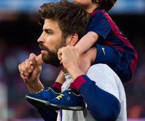 gerard piqué and Barca image