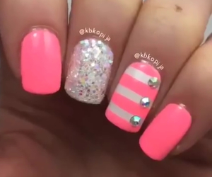 love it, nails, and sparkle image