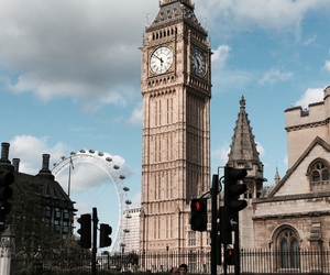 london and place image