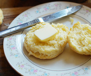 biscuit and buttermilk image