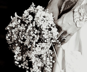 bouquet, flowers, and kate middleton image