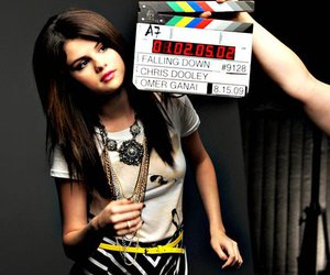 selena gomez and falling down image