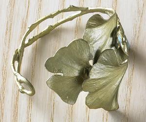 ginkgo, leaf, and jewelry image