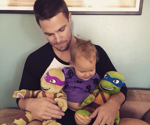arrow, child, and stephen amell image