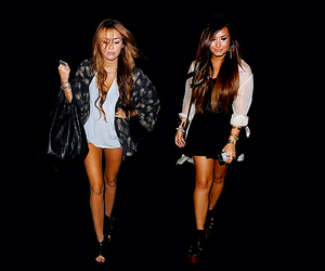girl, miley cyrus, and memi image