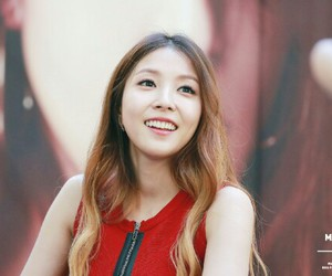 beautiful, boa, and pretty image