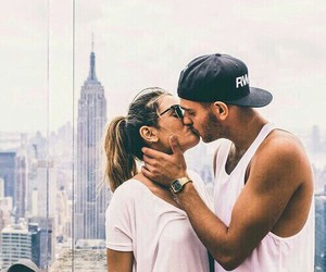 couple, empire state building, and kiss image