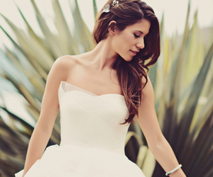 bridal, classy, and delicate image