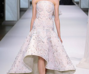 dress, ralph & russo, and Couture image