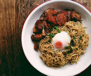 chinese food, egg, and noodles image