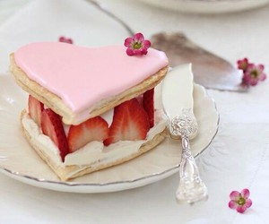sweet, strawberry, and cake image