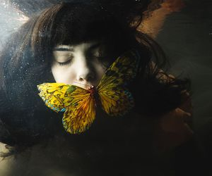 borboleta, butterfly, and girl image