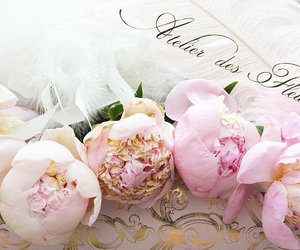 dreamy, floral, and flowers image