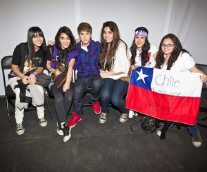 chile, justin bieber, and meet and greet image