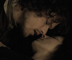 Claire, jamie, and kiss image