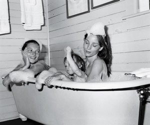 bath, kate moss, and black and white image