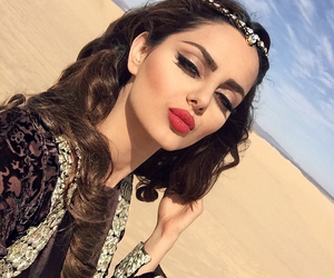 makeup, beauty, and desert image