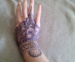 henna and by me image