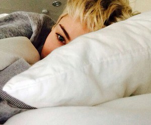 bed, eyes, and mileycyrus image