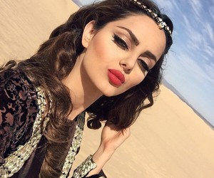 makeup, beauty, and desert image