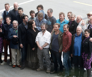 cast, dwarf, and elijah wood image
