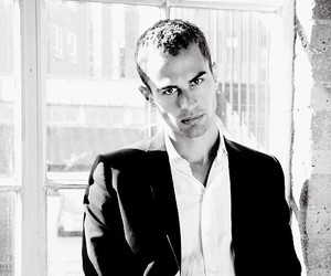 insurgent, divergent, and theo james image