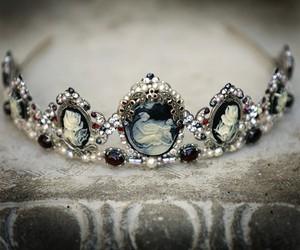 tiara and crown image