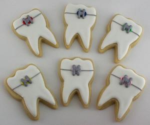 cake, teeth, and odontologia image