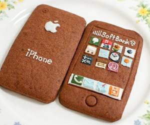 iphone and cookie image
