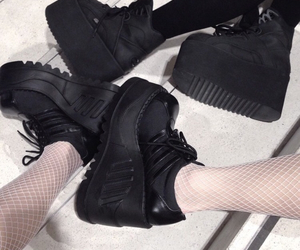 aesthetic, shoes, and soft image