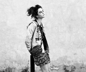KAYA SCODELARIO, black and white, and skins image