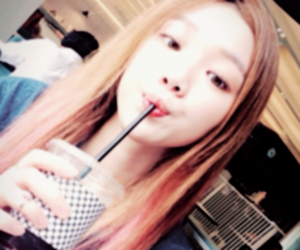 lee sung kyung, model, and icon image
