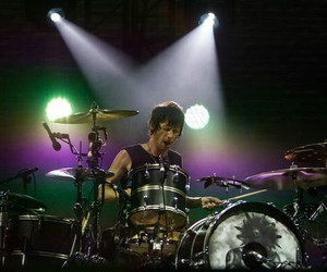 Dominic Howard and muse image