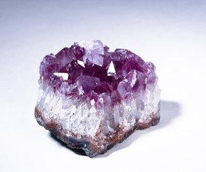 amethyst, aura, and chakra image