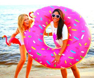 beach, eat, and girls image