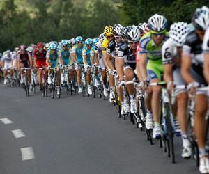 cyclist tour image