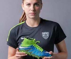 outlet store e05cf db60b 192 images about Alex Morgan😍💘 USA⚽️🇺🇸 on We Heart It ...