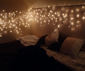 bedroom, comfy, and fairy lights image
