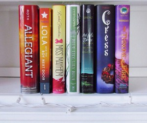 books, cress, and veronica roth image