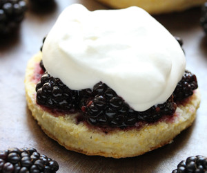 blackberry, delicious, and shortcakes image