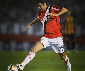 football and river plate image